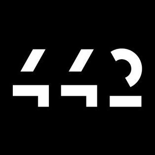 442 Design  Logo