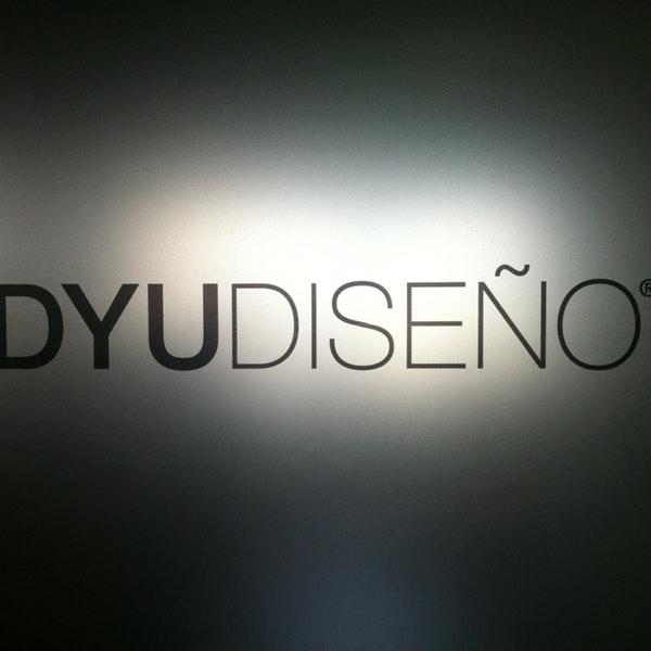 DYU Diseño Logo