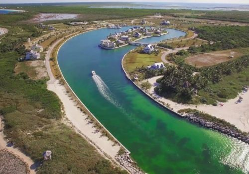 Schooner Bay - An Out-Island Harbour Village on Great Abaco in the Bahamas